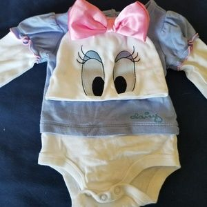 Daisy duck outfit